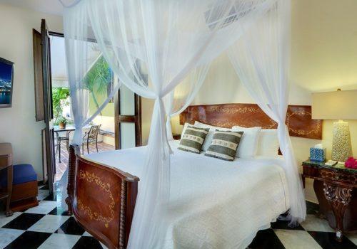 Sundeck Suites Villa Herencia Hotel